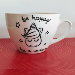 "Tazza in porcellana ""Be happy be a unicorn"""