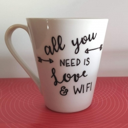"Tazza ""All You Need Is Love And WiFi"""